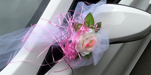 Украшения на машину - роза на зеркало